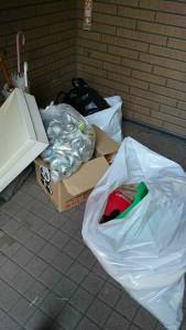 南国市で大量の家庭ごみ回収写真1