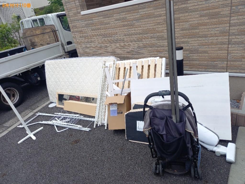 スタンドミラー、本棚、四人用ダイニングテーブル、椅子等の回収